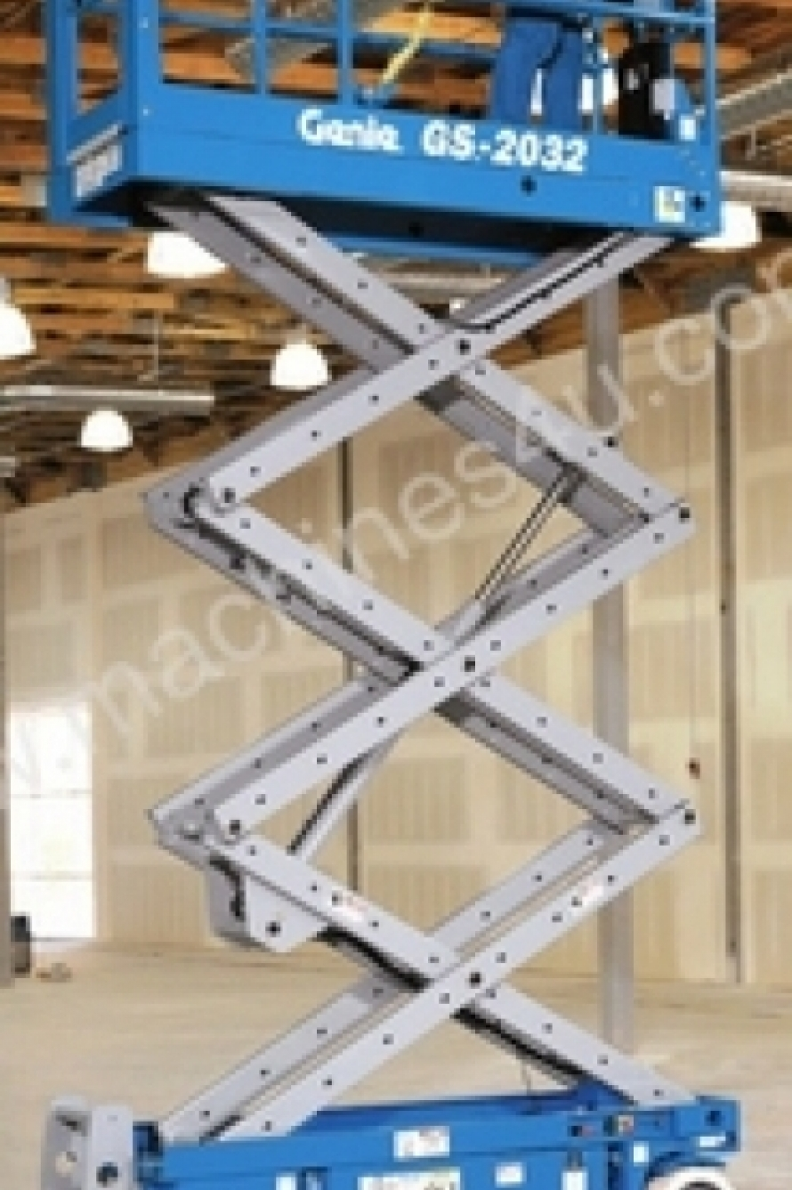 Genie GS2032 Electric Scissor Lift